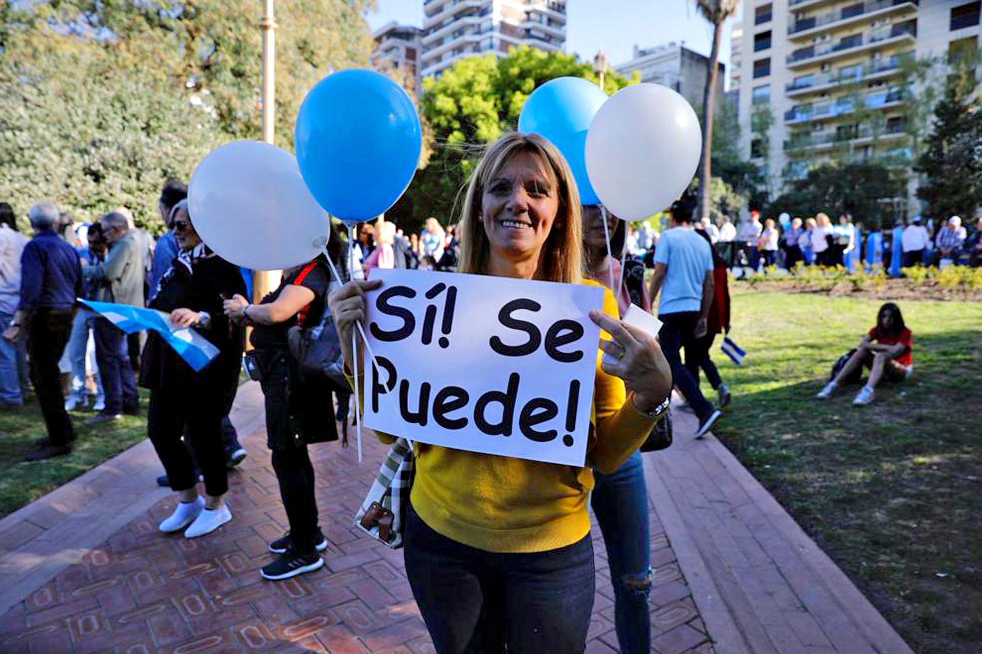 Los carteles de la marcha macrista en Belgrano