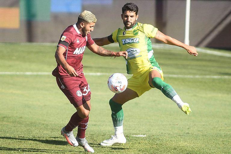 Facundo Pérez tuvo un buen desempeño; a él le cometió el penal Enzo Fernández que luego Sand transformó en el 2-1 para Lanús ante Defensa y Justicia, por la segunda fecha de la Zona B de la Copa de la Liga Profesional 2021