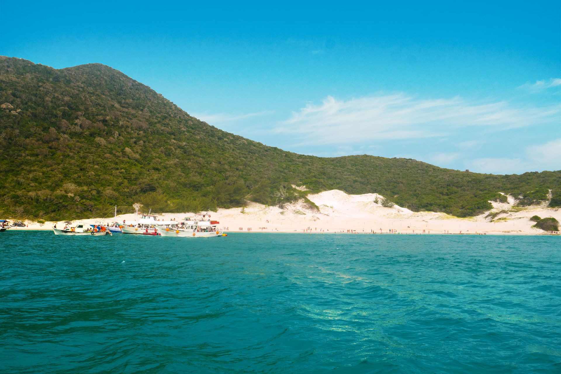 Dunas de arena blanca y agua fresca en Praia do Farol