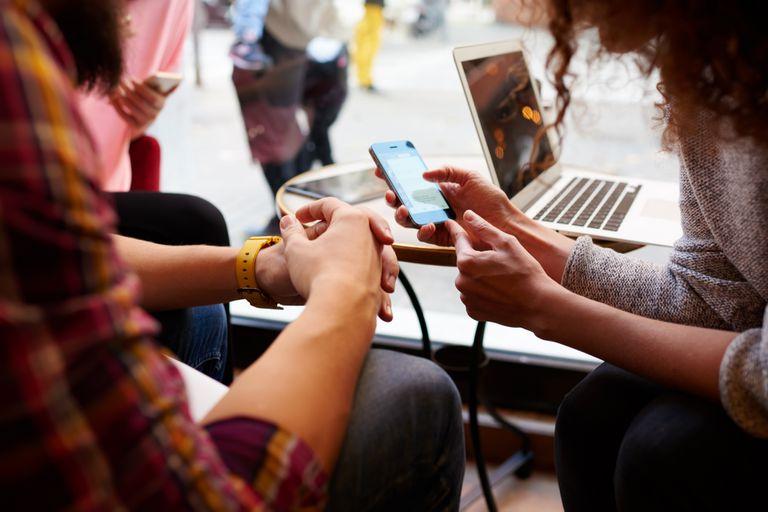 Los smartphones tienen suma importancia en nuestras vidas, Pero sin embargo no tenemos control sobre ellas ni conocimiento sobre su funcionamiento