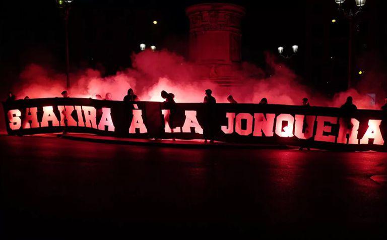 Los hinchas del PSG, otra vez a la carga contra  Barcelona y Shakira