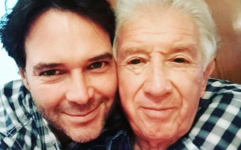 Rodrigo Mejía junto a su padre. Ambos murieron de Covid-19 con apenas 11 días de diferencia.