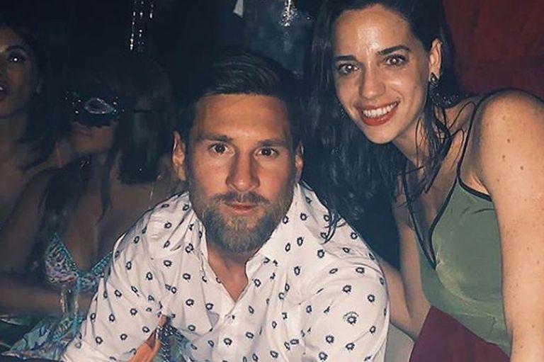 Messi accedió a sacarse algunas fotos con los hinchas