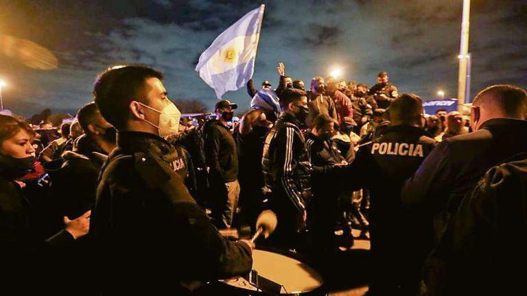 Policía bonaerense. Diez razones para una protesta