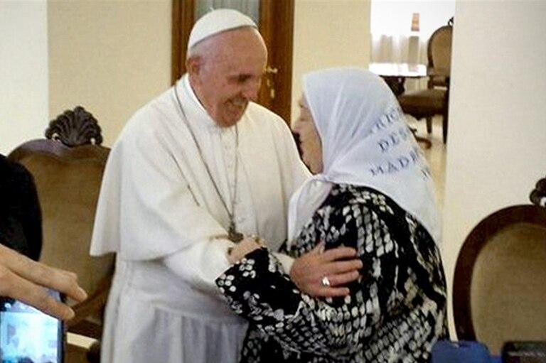 """La carta del papa Francisco a Hebe de Bonafini: """"No hay que tener miedo a las calumnias"""""""