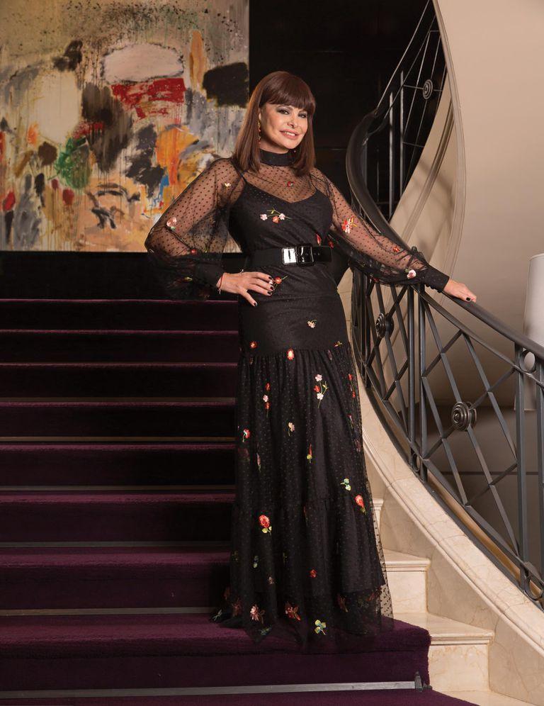Aunque sus tiempos en las pasarelas quedaron atrás, Lucía mantiene intactos su belleza y estilo.