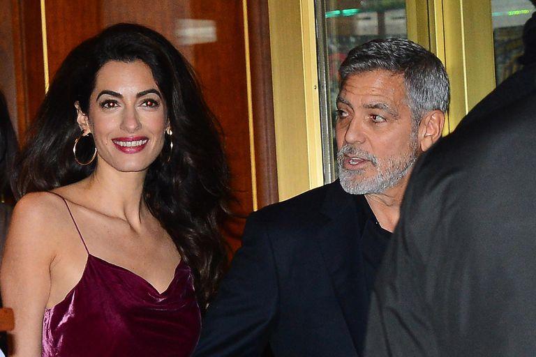 Amal y George Clooney, felices de compartir el festejo de cumpleaños de Aniston