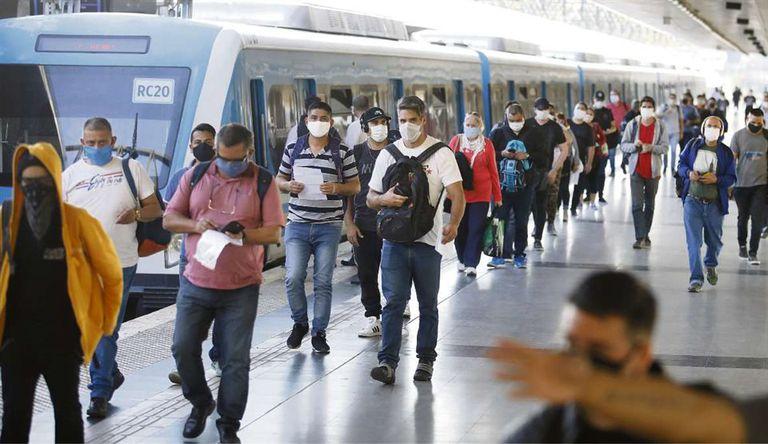 Comenzarán a aplicar testeos rápidos en estaciones de trenes, subtes y colectivos