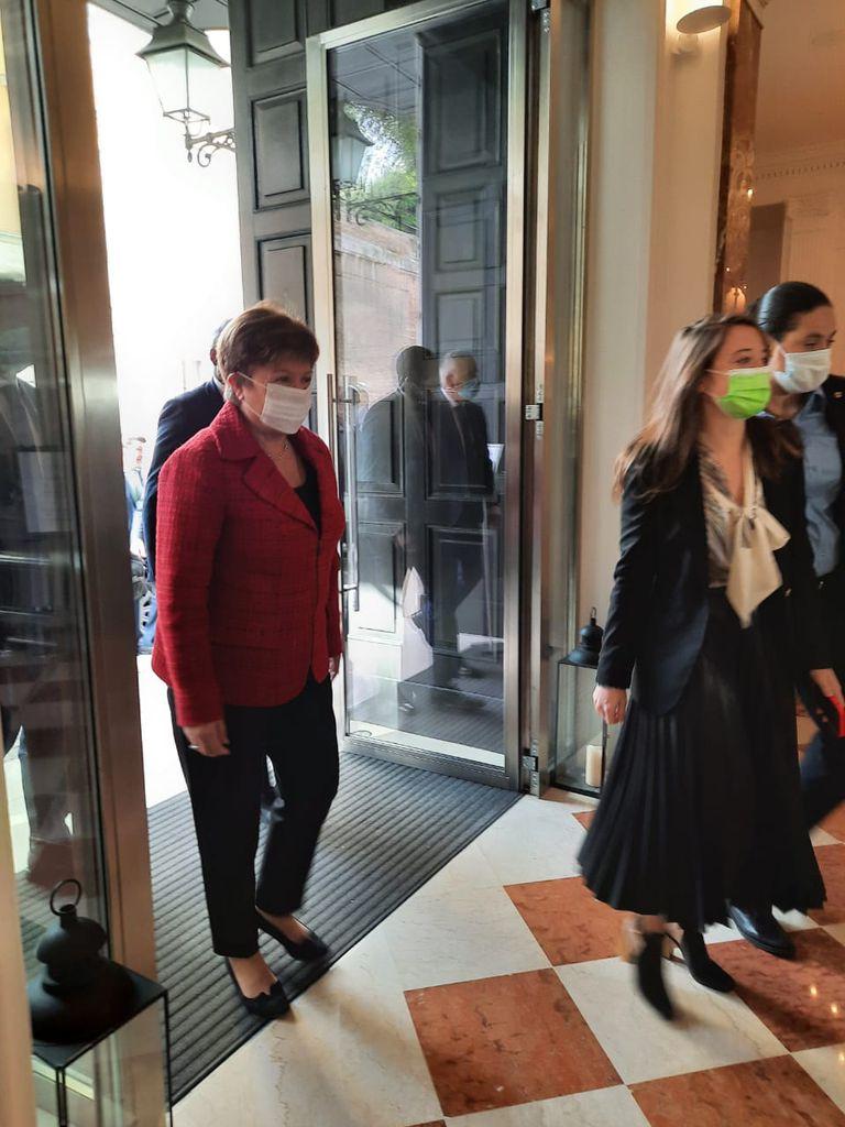 Kristalina Georgieva ingresa a la reunión con Alberto Fernández en Roma