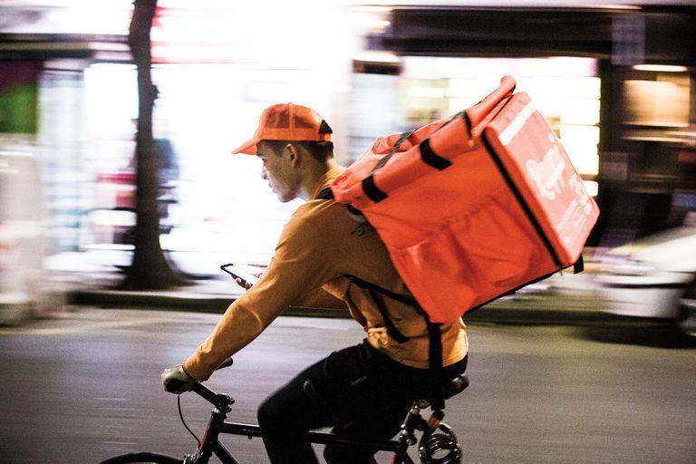 Entregas en 10 minutos y locales propios, la apuesta de un delivery para ganar mercado