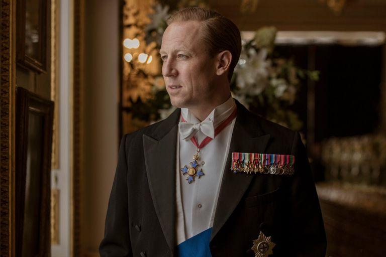 Un repaso por los actores que interpretaron al príncipe Felipe en la pantalla