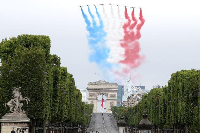 Francia celebró una versión acotada de su tradicional desfile del Día de la toma de La Bastilla
