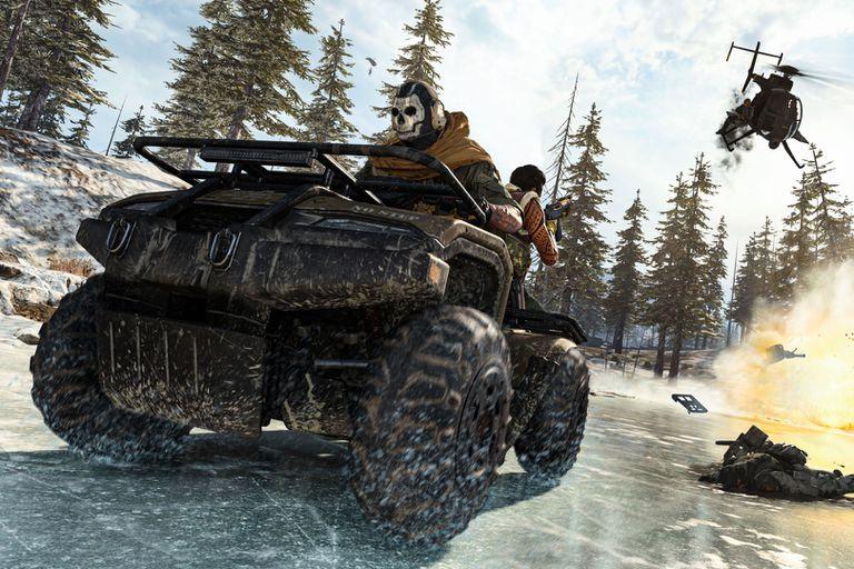 Call of Duty: Warzone se desarrolla en Verdansk, un escenario con zonas rurales y urbanas, donde los jugadores deberán enfrentarse entre sí mientras escapan a pie o en vehículos del avance de un gas mortífero