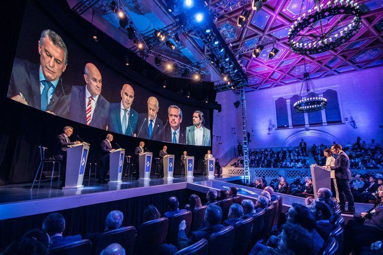 Uno de los tópicos del debate fue el de economía y finanzas
