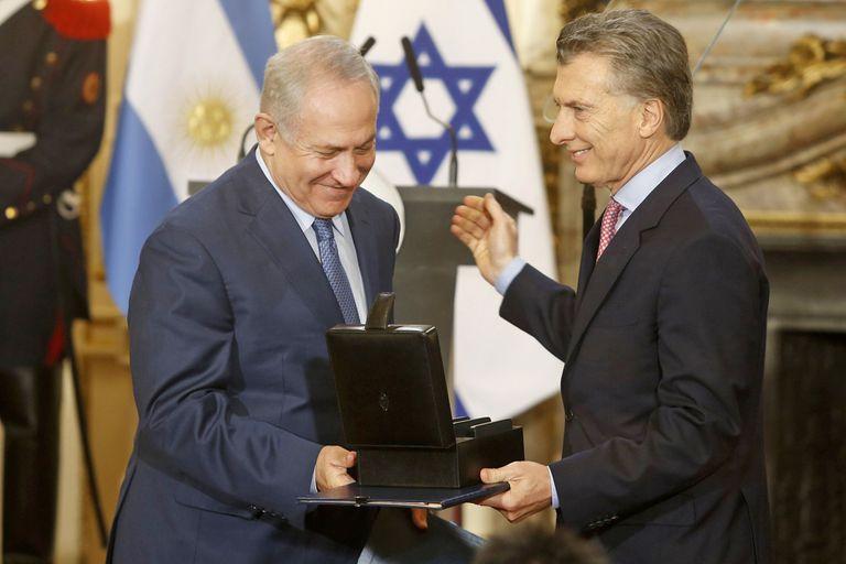 Argentina versus Israel: Netanyahu le pidió a Macri que interceda ante la AFA
