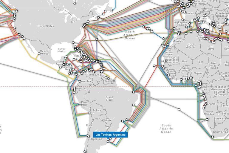 Una vista de algunos de los cables submarinos que cruzan el Atlántico