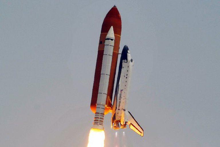 El lanzamiento del transbordador de la NASA marca el fin de una era espacial
