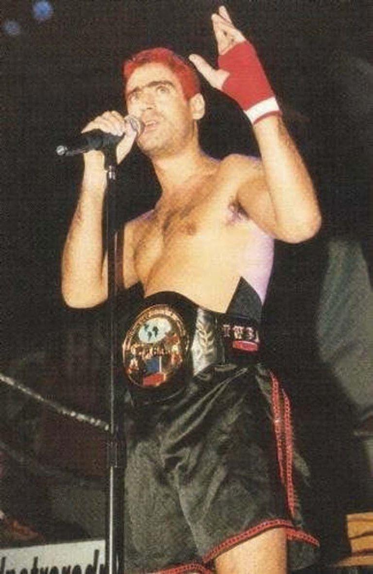 """Rodrigo """"El Potro"""" en una de sus últimas presentaciones luciendo el short de boxeo que legó a su hijo Ramiro."""
