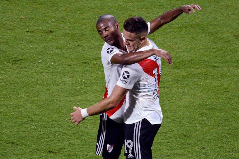 De la Cruz y Borré también se anotaron en la red; el uruguayo convirtió el tercer tanto; el colombiano abrió la cuenta en Santiago del Estero