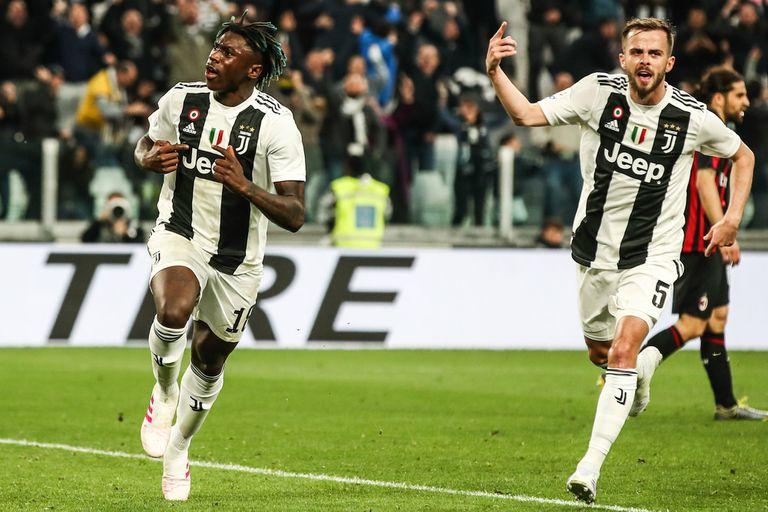 Moise Kean celebra el gol de la victoria de Juventus sobre Milan, aunque esta vez sin polémica