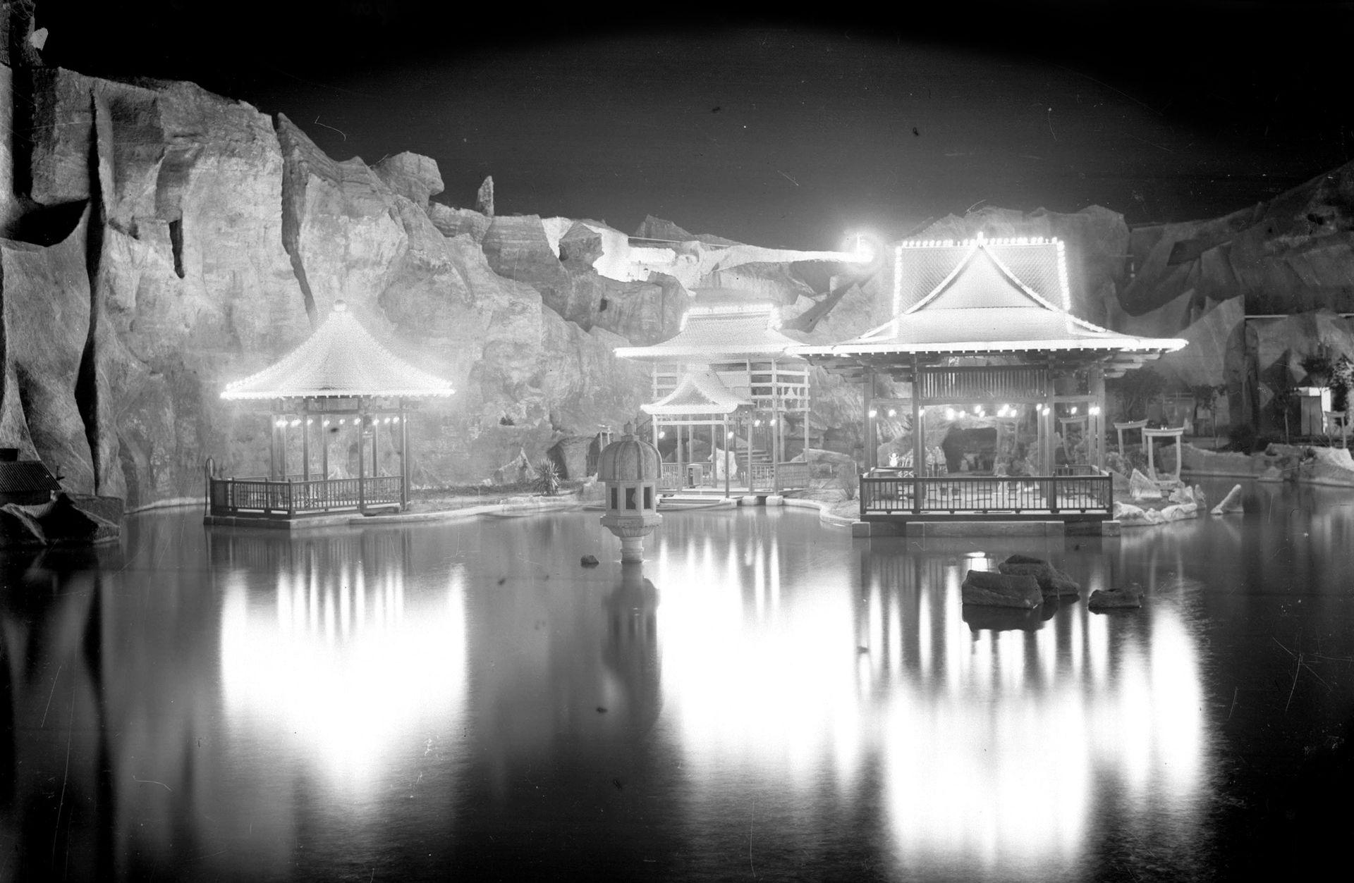 La isla de las Geishas, en el medio del lago veneciano, era uno de los puntos más atractivos durante los veranos.
