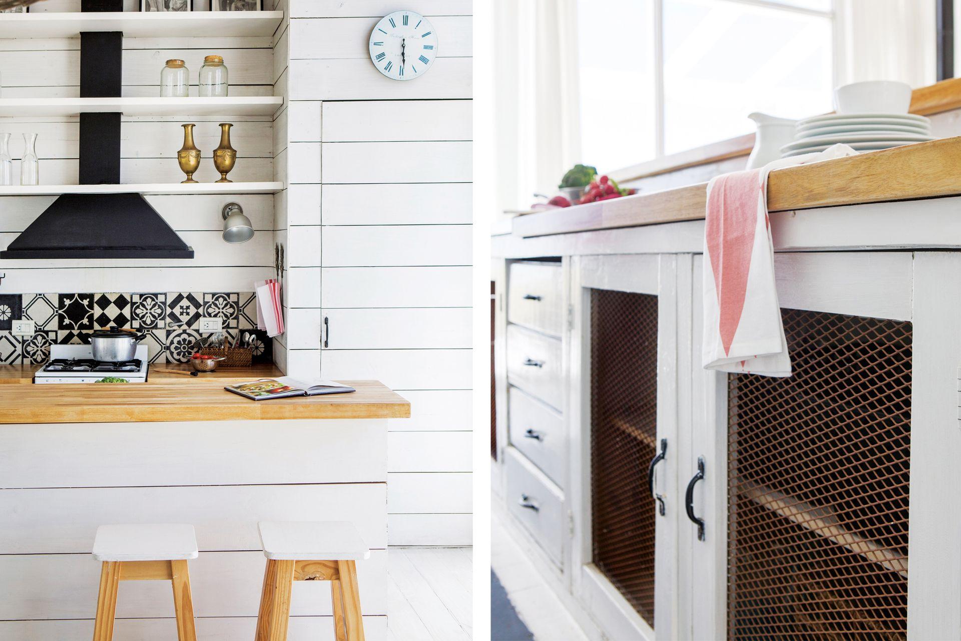 Debajo del reloj una gran alacena para guardar de todo y para que en los estantes solo quede lo que más se usa. A tono con el lugar, las puertas del mueble de la cocina tienen alambre de campo.