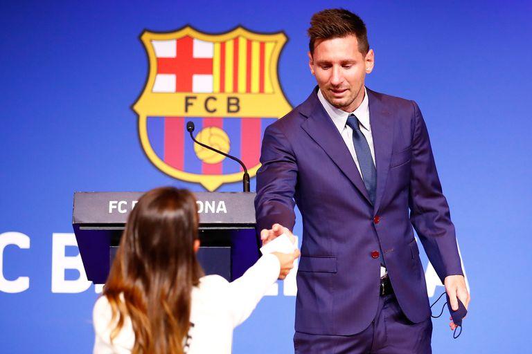 El íntimo gesto de Antonela Roccuzzo con Lionel Messi en su despedida de FC Barcelona
