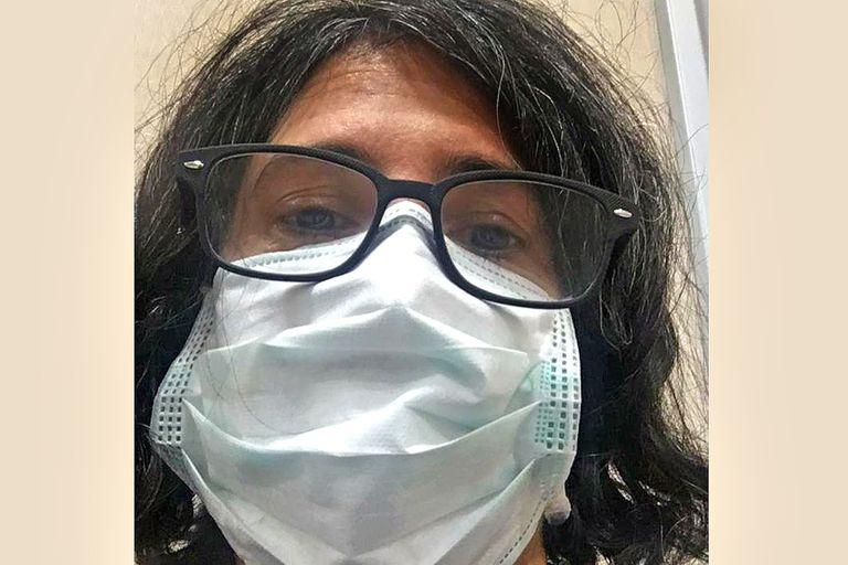 Daniela Vallejos, en la sala de espera de la clínica 25 de Mayo