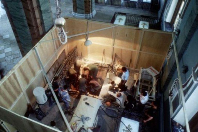 Miembros de la familia real muertos hace siglos fueron exhumados para obtener muestras de ADN y realizar los exámenes a los huesos encontrados