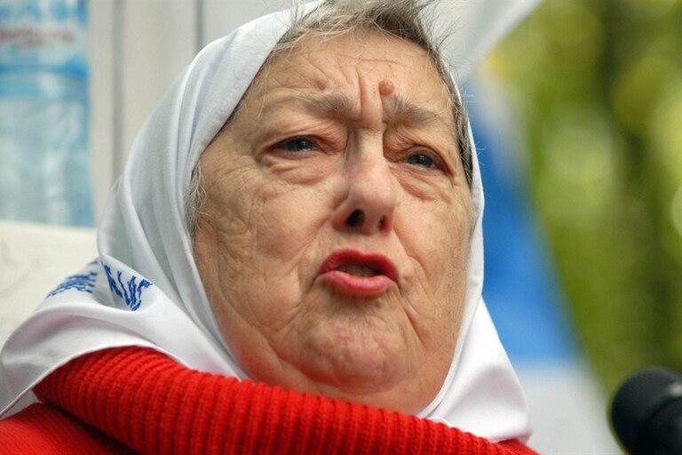 La dirigente de Madres se manifestó en el interior de la Casa de Chubut; el lonko lleva 20 días de huelga de hambre