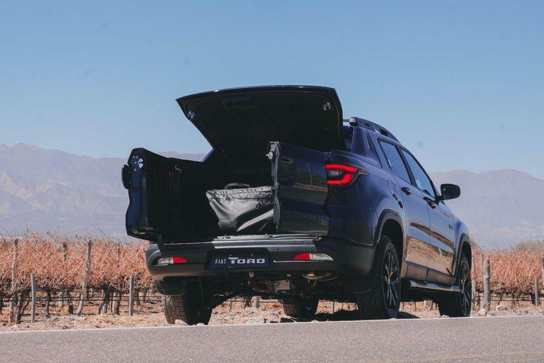 La nueva capota rígida de la versión Ultra para realzar el concepto SUP (Sport Utility Pickup)
