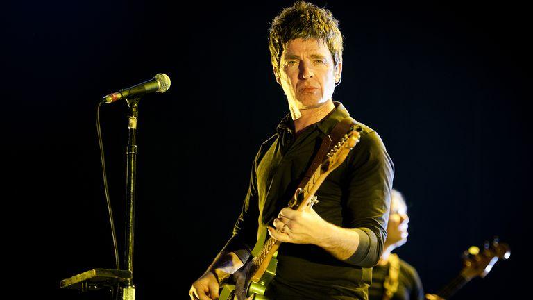 Noel Gallagher: una decena de referencias a otras canciones en la época de Oasis