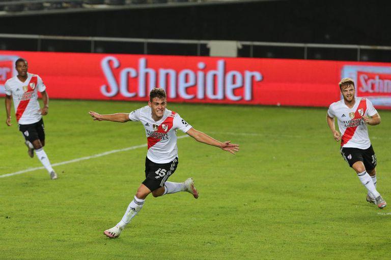 El festejo de Girotti, tras marcar su segundo gol ante Atlético Tucumán.