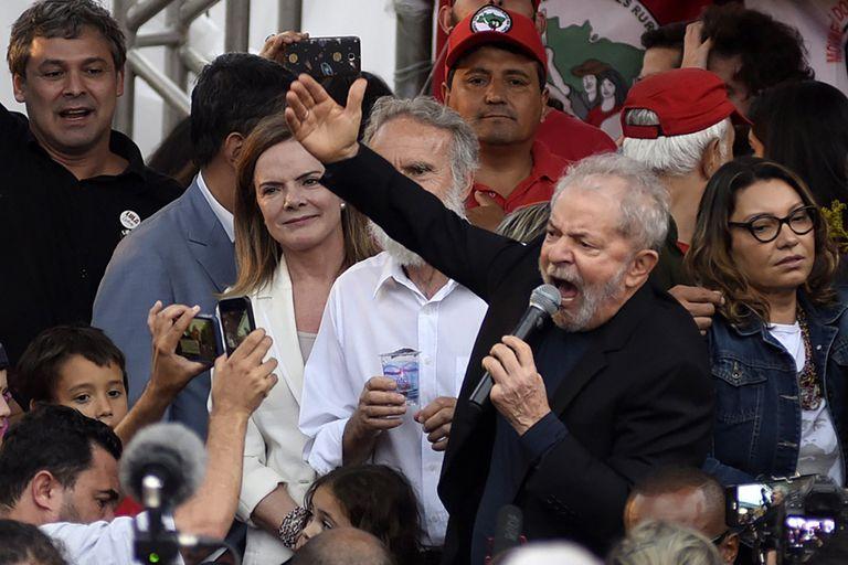 Lula habló ayer ante sus simpatizantes, poco después de su liberación