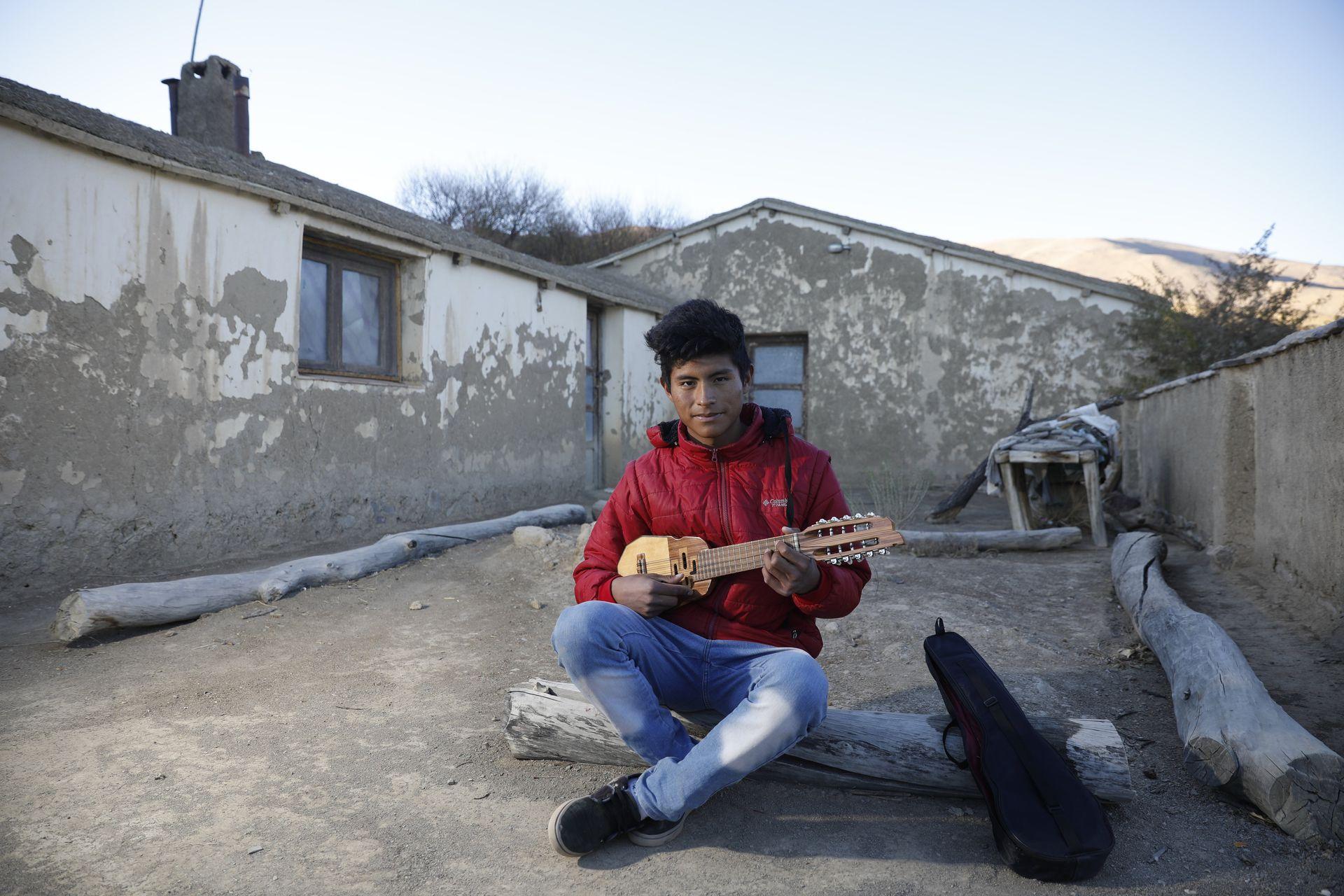Ismael Quipildor es uno de los 160 alumnos de la escuela albergue de alta montana en Alfarcito