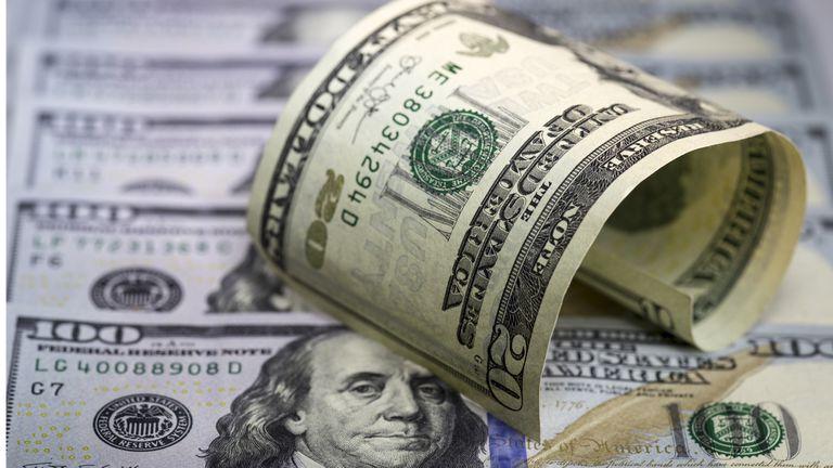 El dólar vuelve a subir y supera los $ 16, el valor más alto en la era Macri