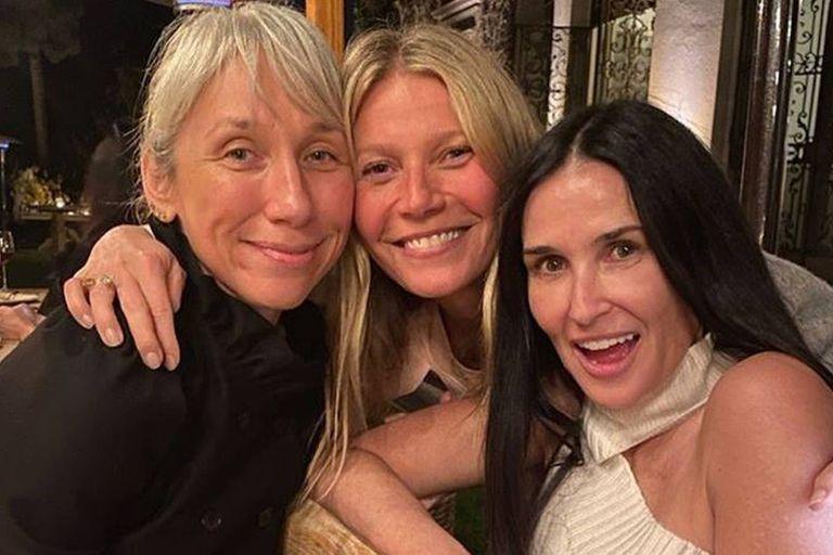 Paltrow hizo una fiesta sin maquillaje con Demi Moore y Alexandra Grant