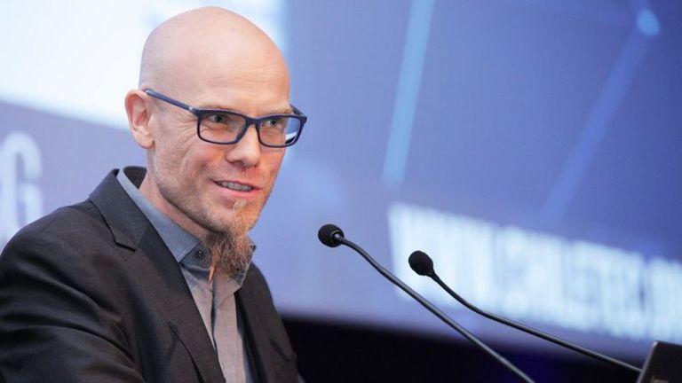 Martin Hilbert. experto en tecnologías, indaga sobre el impacto de la digitalización en la sociedad