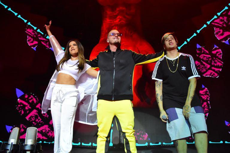 J Balvin cantó con Duki y Anitta en el Luna Park
