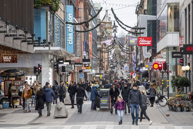 Coronavirus: por primera vez, Suecia limita los encuentros públicos