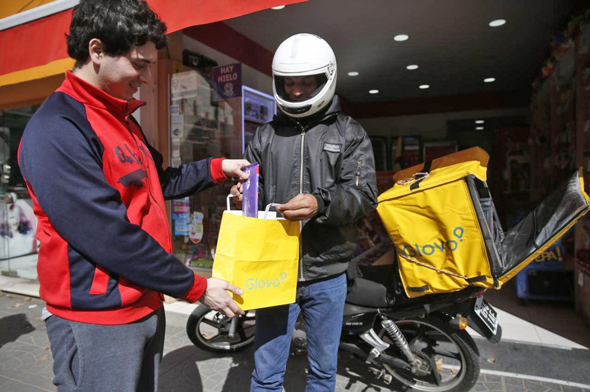 Los venezolanos coparon los servicios de mensajería en bicicleta