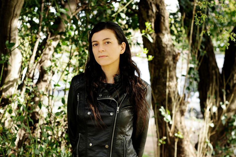 Samanta Schweblin, la premiada escritora argentina radicada en Berlín, llega en octubre a las librerías con una nueva novela corta: Kentukis
