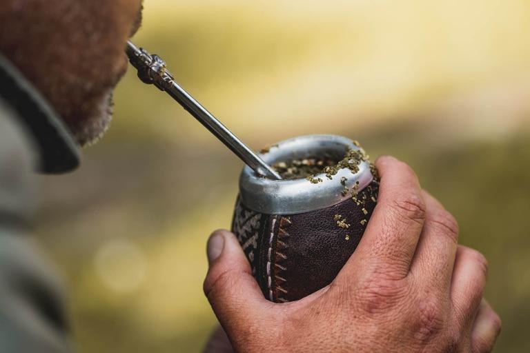 La influencia del saber ancestral sobre el mundo contemporáneo es rica y diversa: involucra creencias, prácticas y consumos