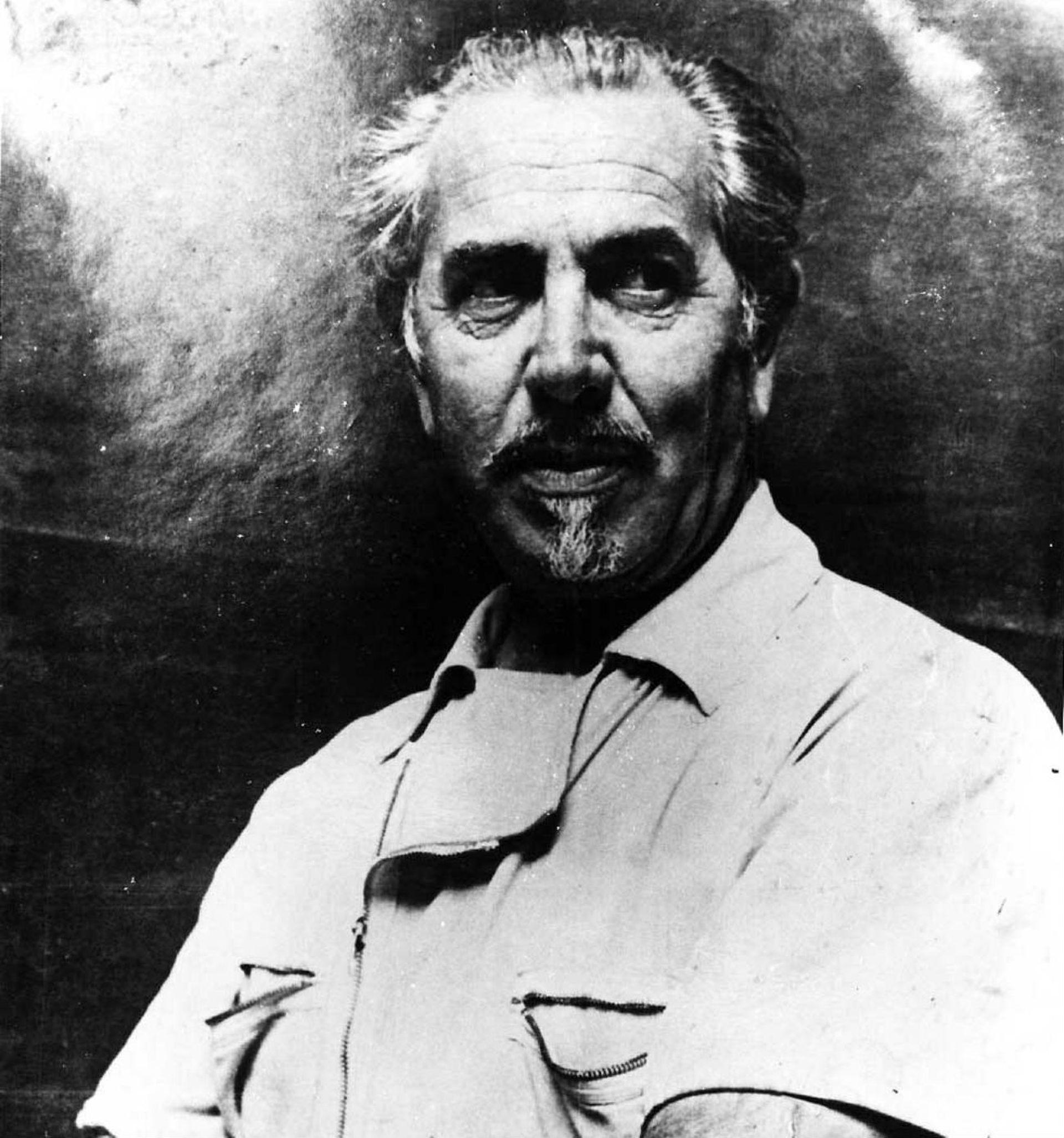 El arquitecto italiano Leone Tommasi esculpía el mármol en un taller de su país y en otro en San Isidro hacía los moldes