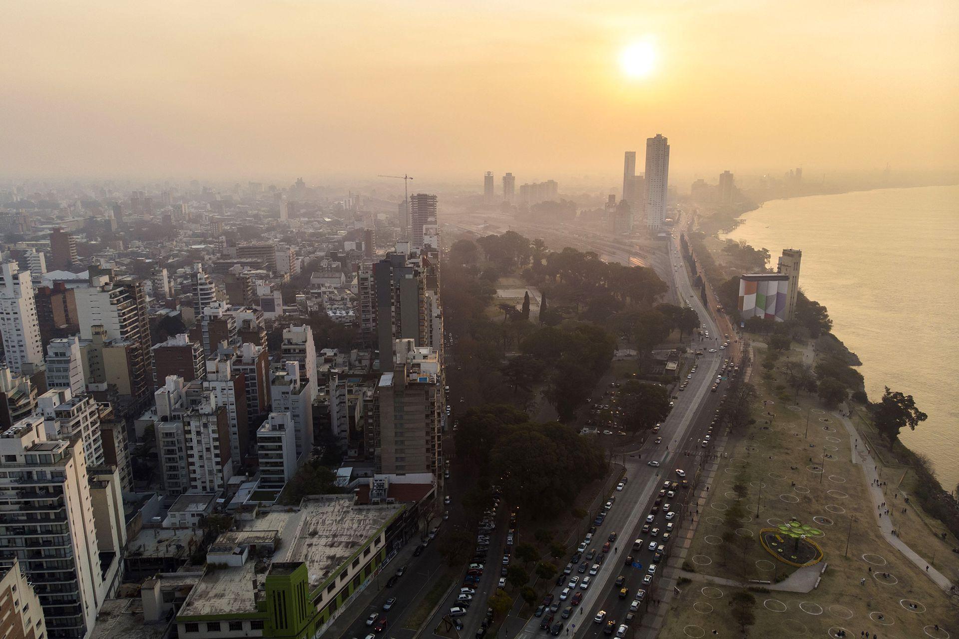 Este año, la ciudad de Rosario estuvo varias veces cubierta de humo debido a los incendios en el Delta
