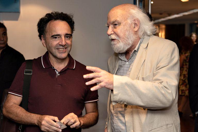 """Juan Sasturain y Pablo De Santis: dos narradores """"comiqueros"""" en la Sala Juan L. Ortiz"""