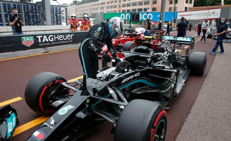 F. 1. Tras cuatro días, Mercedes logró quitar la rueda y supo qué falló en Mónaco