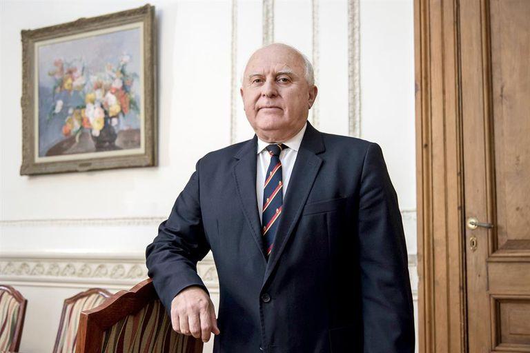 El exgobernador de Santa Fe Miguel Lifschitz confirmó que tiene coronavirus