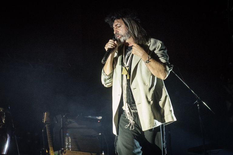 A pedido de Adrián Dárgelos, Babasónicos fue el único grupo clásico en el escenario sur del día domingo, en medio de referentes del trap como Neo Pistea, Cazzu y Duki