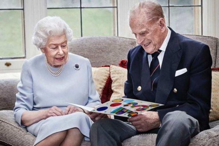 El príncipe Felipe y la reina Isabel en su celebración de 73 años de casados